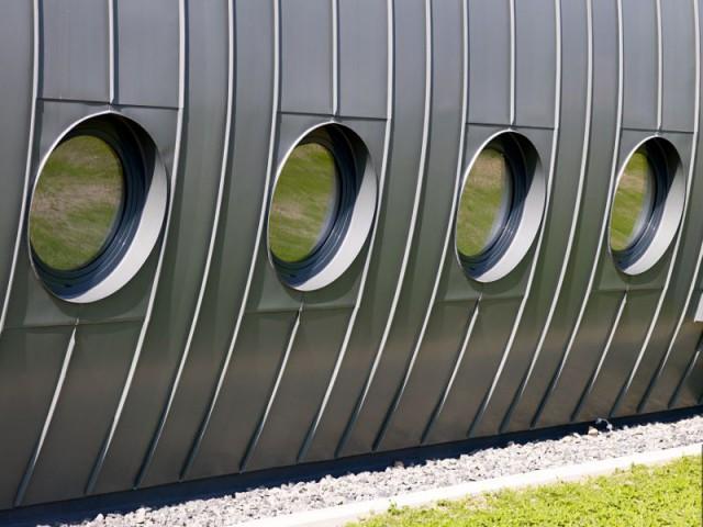 """Un espace de 300 m² à l'intérieur de l'oléoduc  - Réalisation d'un bâtiment """"Oléoduc"""" en Zinc-Titane"""
