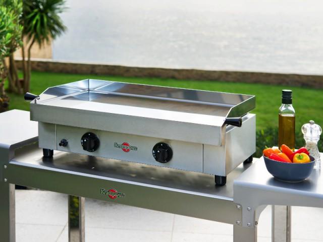 Une plancha en inox pour une résistance optimale - Dix barbecues et planchas pour cuisiner au jardin
