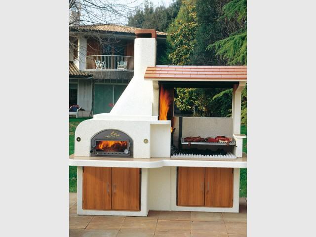 Un barbecue en pierre pour créer une cuisine d'extérieure - Dix barbecues et planchas pour cuisiner au jardin