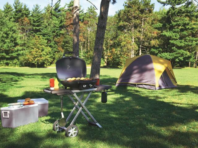 Un barbecue portatif idéal pour les campings - Dix barbecues et planchas pour cuisiner au jardin
