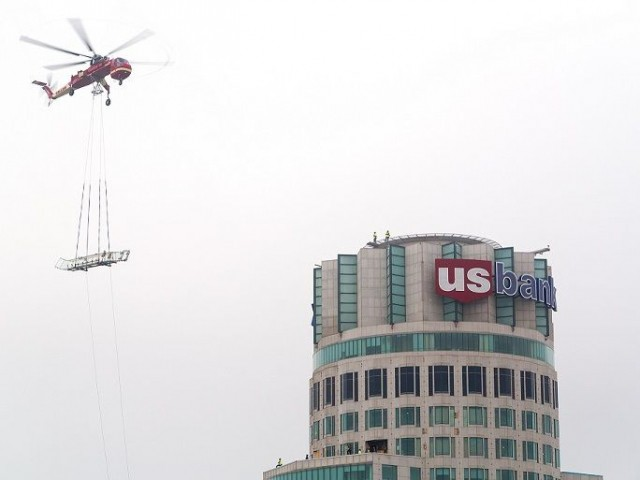 Skyslide : livrée par hélicoptère... Skycrane - Skyslide