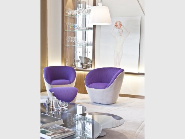 Un espace de détente intégré au salon - Changement de style pour un luxueux duplex baroque