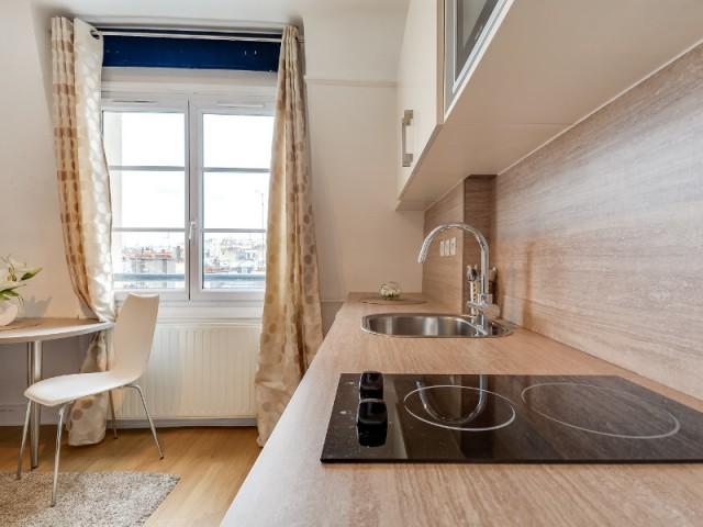 1 coin cuisine dans 1 studio 10 kitchenettes astucieuses for Salle de bain 10m2