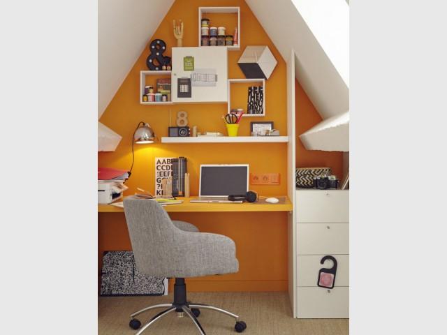 Un bureau dans les combles aménagés