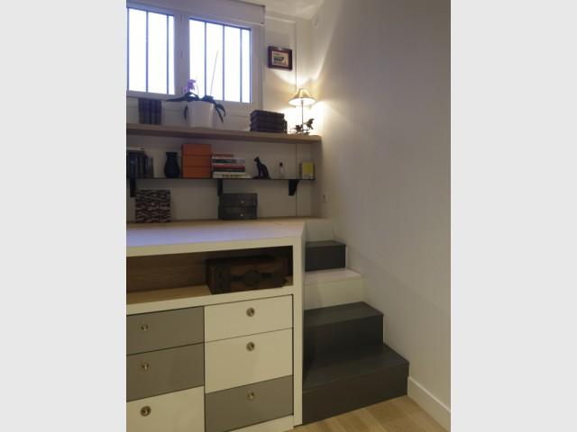 Un espace bureau optimisé - Jeux de niveaux pour un studio parisien