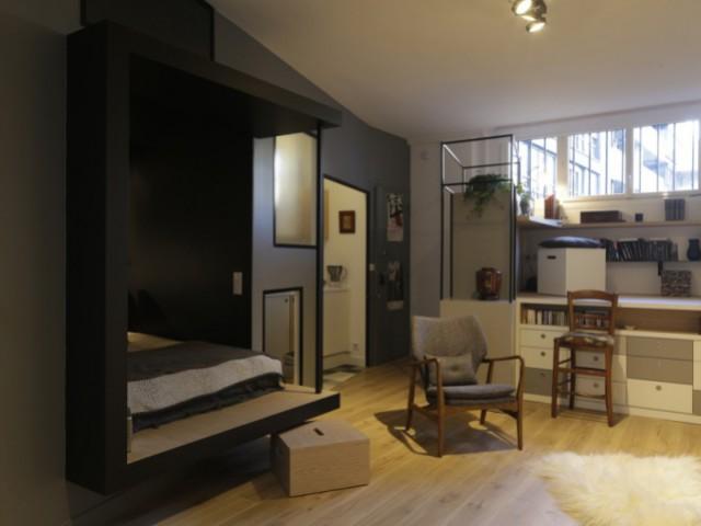 Un espace nuit ouvert pour une impression d'espace  - Jeux de niveaux pour un studio parisien