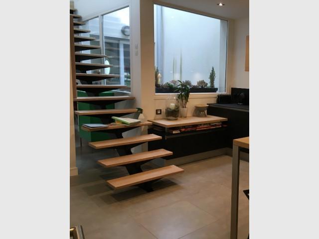 Un mobilier adapté à toute la famille  - Une cuisine design et fonctionnelle.