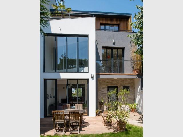 Une renaissance architecturale via un mariage entre différentes matières - une maison des années 1920 entièrement rénovée