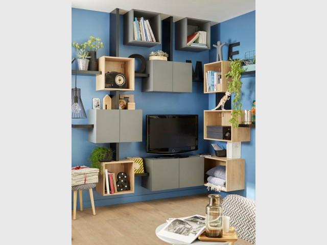 Des boîtes de rangement pour un meuble TV original