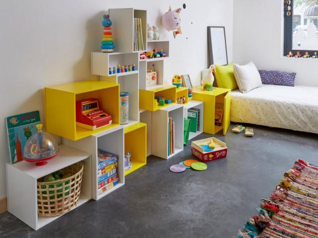 Des boîtes de rangement pour une chambre d'enfant