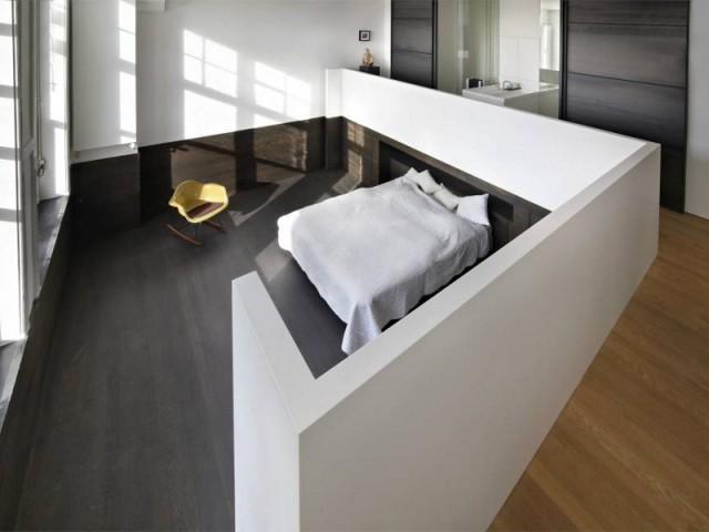 Une chambre en contrebas du loft