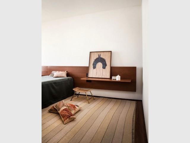 Des chambres bardées de bois sombre