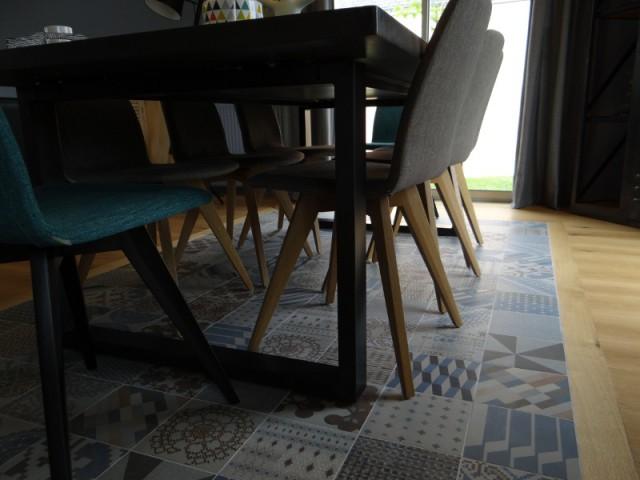 Un tapis effet carreaux de ciment