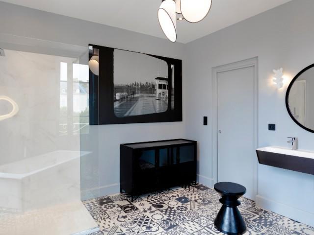 Une salle de bains pensée comme une pièce à vivre