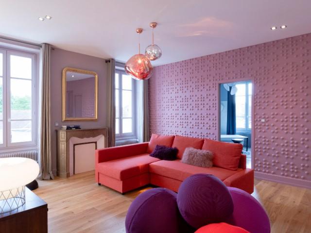 une maison de ma tre pop et arty. Black Bedroom Furniture Sets. Home Design Ideas