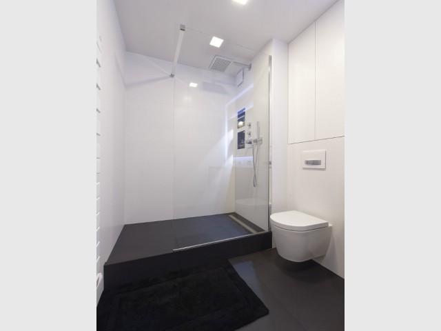 Un éclairage diffus pour une salle de bains