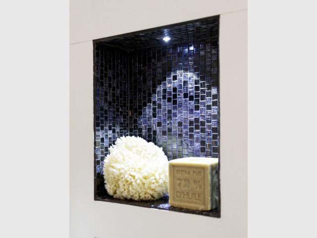 Une niche lumineuse pour la salle de bains