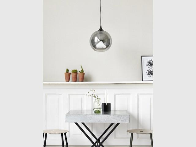 Une suspension dans mon salon 10 photos pour vous inspirer for Suspension grise cuisine