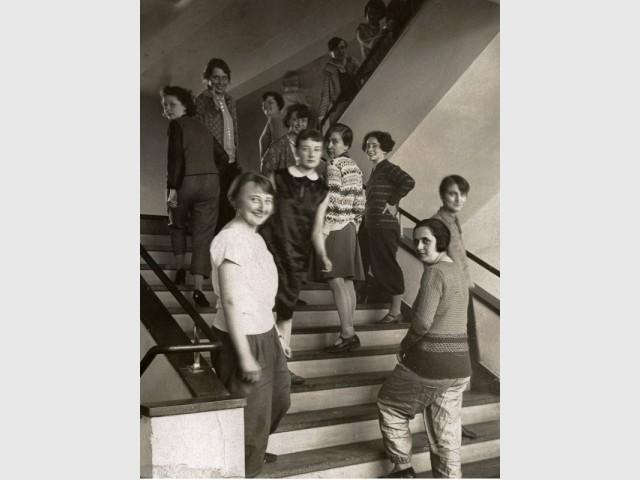 Des étudiants de l'école du Bauhaus