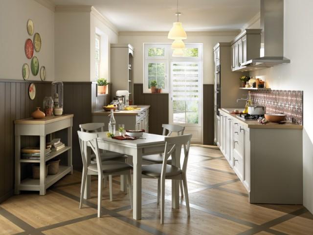 Une cuisine au sol bicolore pour plus de fantaisie