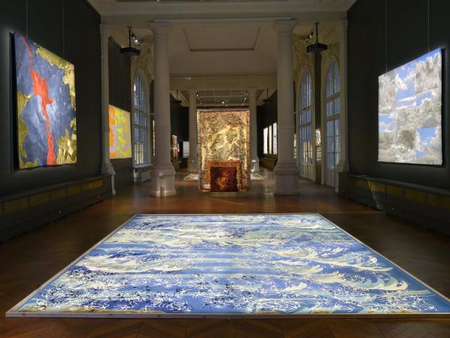 Jeter un oeil sur les tapis qui orneront peut-être l'Elysée en 2017 - Vue de la scénographie de l'exposition Tombée de métier édition 2016