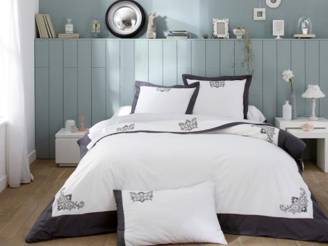 Linge de lit Bijoux anthracite et tête de lit en bois recyclé