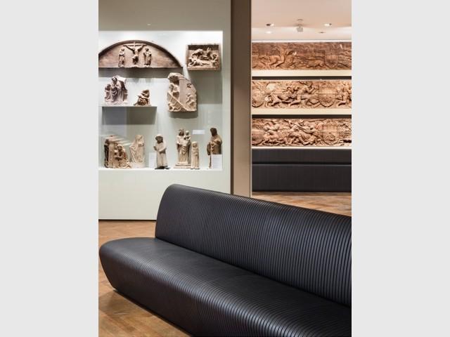 Du mobilier en cuir ligné