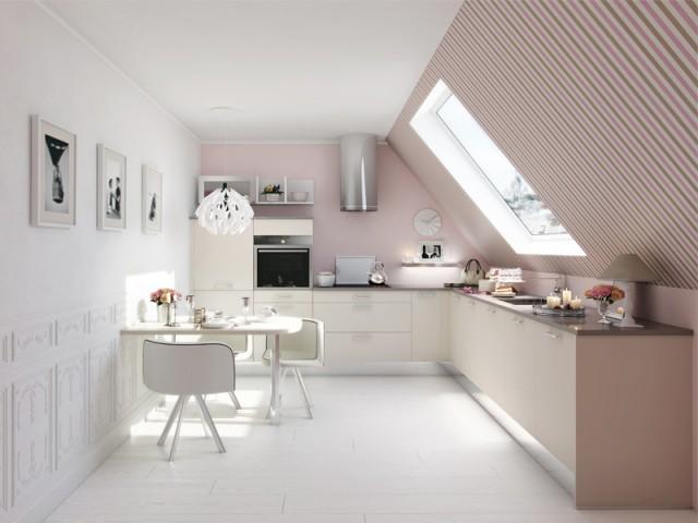 Un papier peint et de la peinture rose pour une cuisine aérienne - Inpiration couleur : Osez le rose !