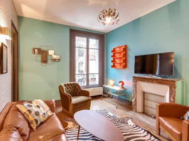 Une déco ultra colorée pour le salon vintage