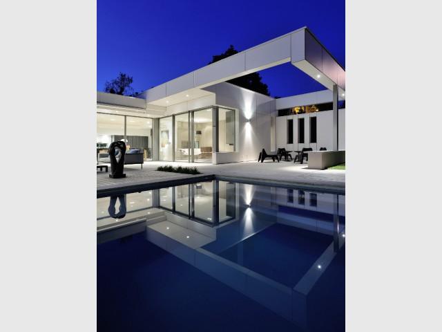 Une piscine à effet miroir pour une belle symétrie