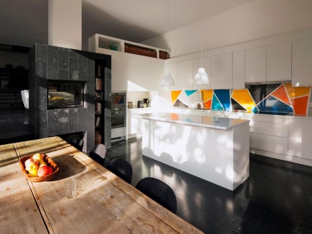 Une cuisine baignée de lumière