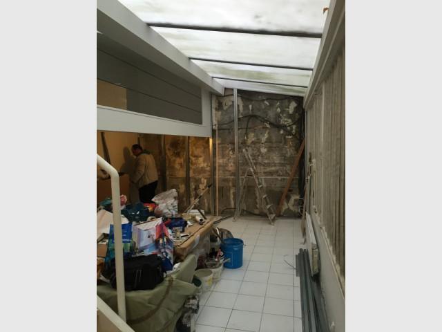 Avant : un atelier humide et mal entretenu