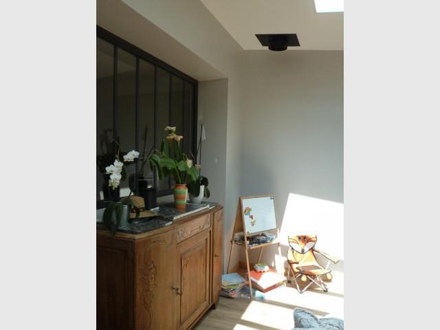 Une verrière gris anthracite pour la cuisine