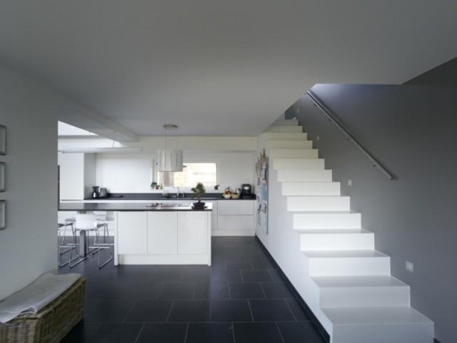 Un escalier épuré et élégant