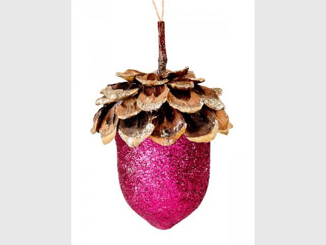 Un gland rose à paillettes pour un sapin de Noël disco