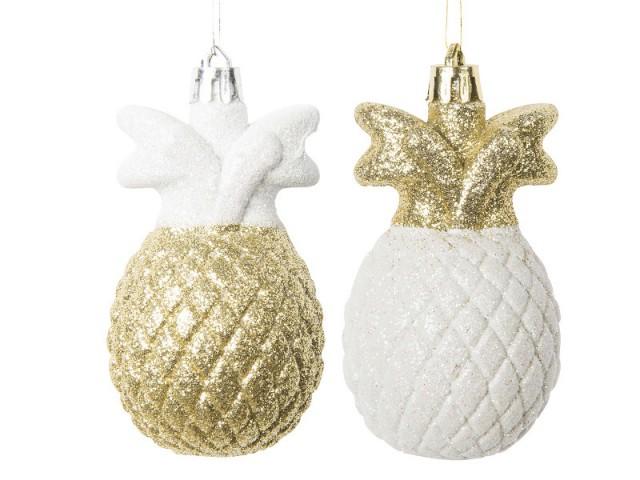 Des suspensions ananas pour un sapin de Noël exotique