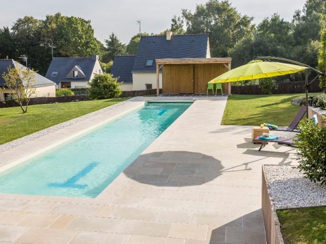 Un bassin utilisé d'Avril à Octobre - Couloir de nage signé Laure Manaudou