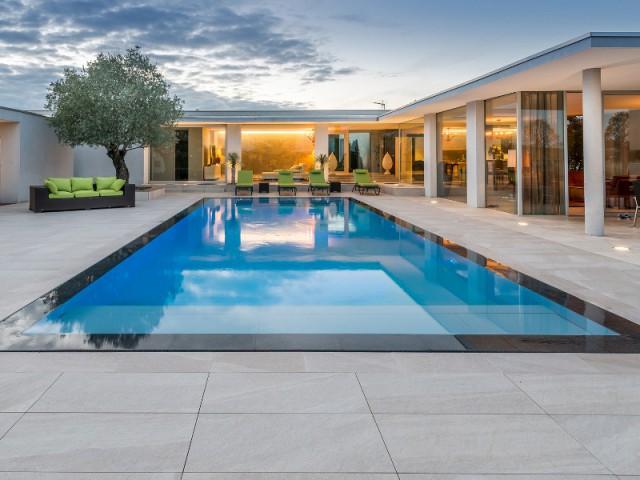Catégorie rénovation de piscine - Trophée d'argent - Trophées de la piscine et du spa 2016 (1/2)
