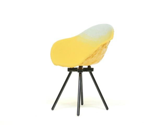 Des chaises en plastique recyclés aux couleurs uniques... et illimitées - Maximum, l'art de recycler les déchets industriels