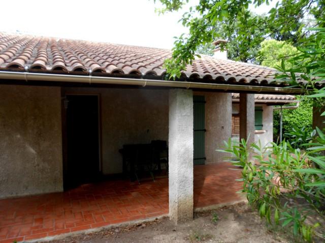 Une habitation exiguë et peu lumineuse - Un petit mazet provençal transformé