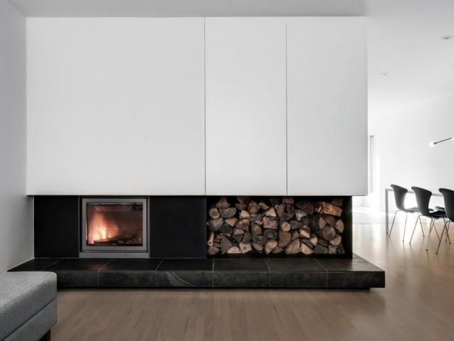 Une cheminée, devenue un élément emblématique - A Montréal, une maison se réinvente...