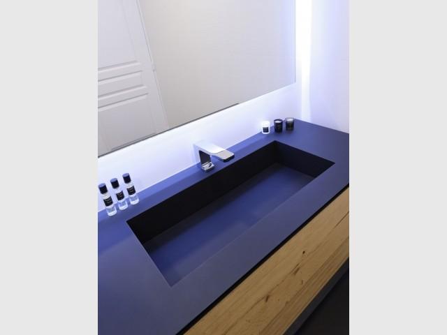Une salle de bains raffinée