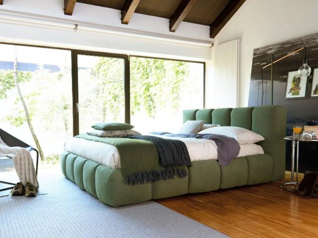 Tendance Greenery : une literie et une tête de lit vertes