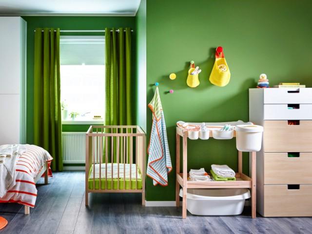 Tendance Greenery : une chambre vert pour parents et bébé