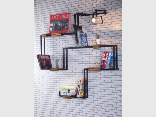 Une étagère métallique pour un salon industriel - Une étagère originale pour mon salon
