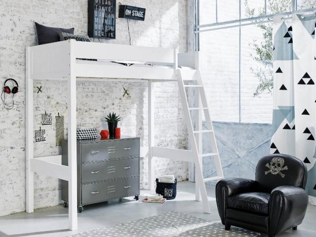 Un mur en briques blanches pour une chambre d'ado moderne