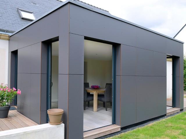 Un cube au look contemporain - Un pavillon agrandi et transformé par un cube