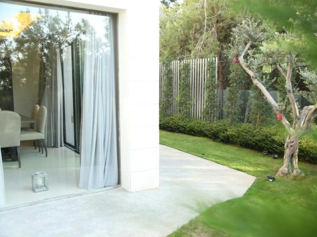 Une relation dedans/dehors privilégiée - Un rez-de-jardin aussi lumineux qu'une maison