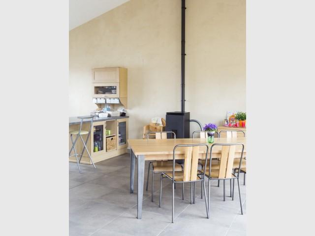 une maison bioclimatique performante gr ce aux ressources locales. Black Bedroom Furniture Sets. Home Design Ideas