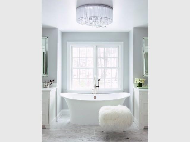 Du blanc dans la salle de bains pour une note de poésie - Total look blanc dans nos intérieurs